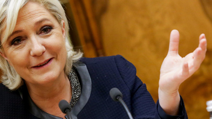 Марин Ле Пен дает пресс-конференцию в Москве