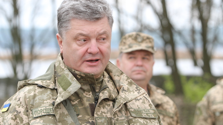 Порошенко отправит новинки украинской армии с выставки на Крещатике прямо в Донбасс