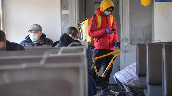 Торговцев и музыкантов изгонят из электричек: Запрет может продлиться и после пандемии