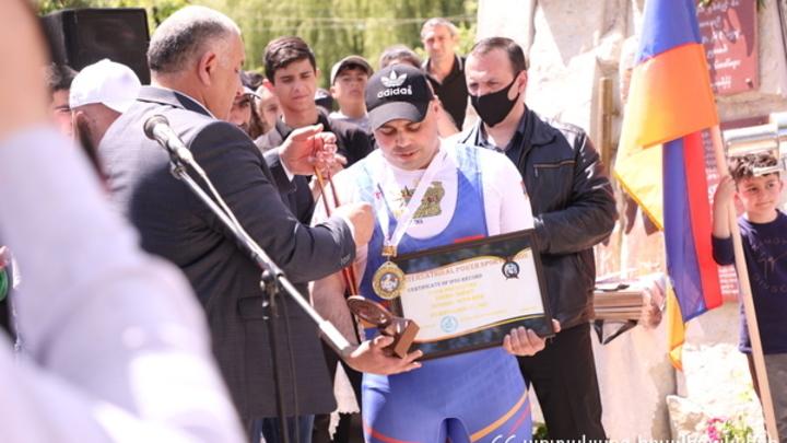 Пожарный Армении установил рекорд в память о жертвах 44-дневной войны