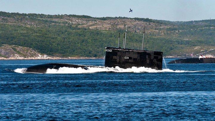 Они будут отслеживать наш флот и подключаться к интернет-кабелям: Российские супертихие субмарины испугали Британию