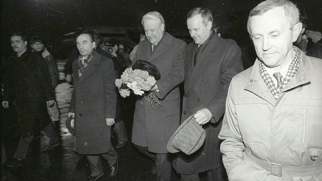 Путин поведал о«трещине» вотношениях Собчака иокружения Ельцина