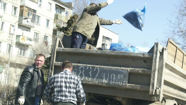 Губернатор Травников поручил активизировать работу по уборке к майским праздникам