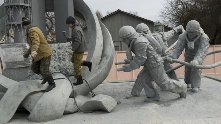 Знаю, что они чувствуют: Сценарист Чернобыля пожалел авторов русского сериала о катастрофе