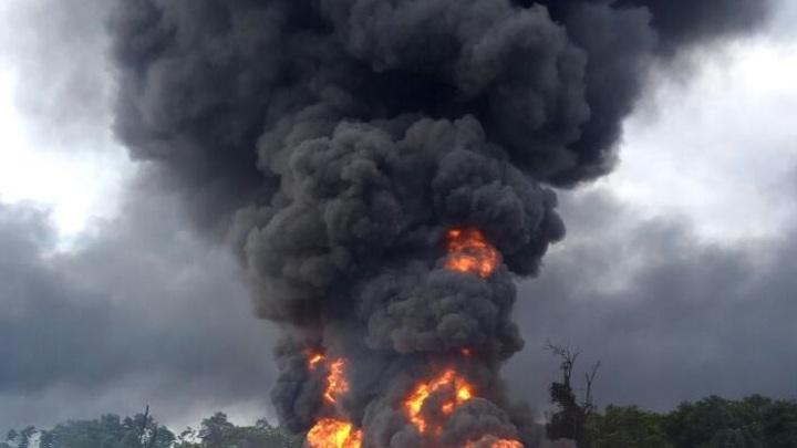 Разорванный на куски Т-72М1 нигерийской армии оставили на поле боя - видео