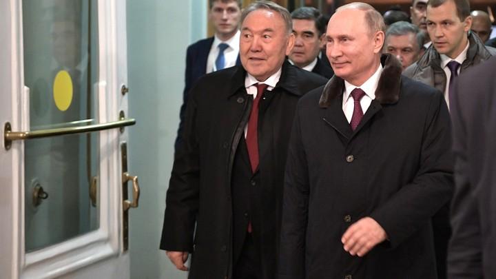 Песков объяснил, зачем Назарбаев заранее предупредил Кремль о своей отставке