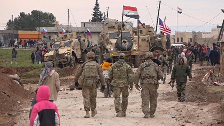 """""""Русские, спасайте, убивают!"""": В Сирии толпа мирных жителей едва не растерзала американцев"""