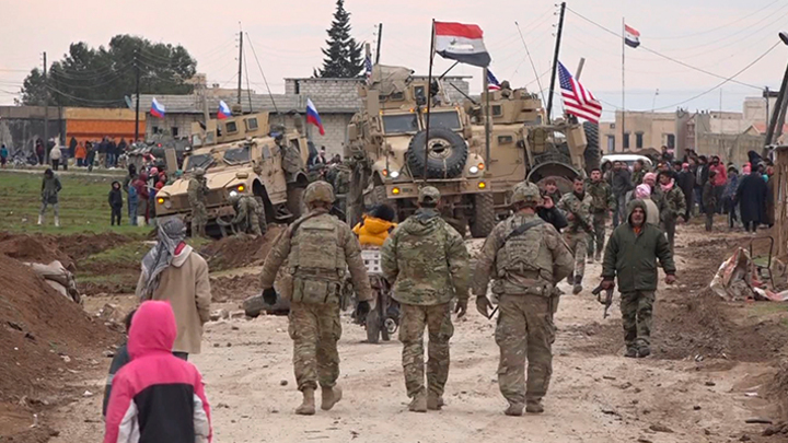 """Русские, спасайте, убивают!"": В Сирии толпа"