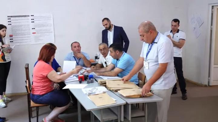 Еще почти полторы тысячи голосов досчитали в Армении на 4 день после выборов