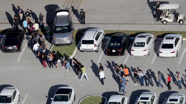 Все предсказывали расправу: Школьники во Флориде знали о готовящейся стрельбе заранее