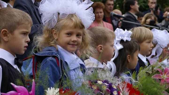 И вальсы Шуберта: Как вернуть в школы русский шарм