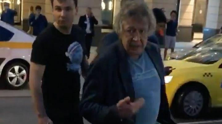 Достали!: Появилось тайное видео из квартиры Ефремова. Его адвокат рядом