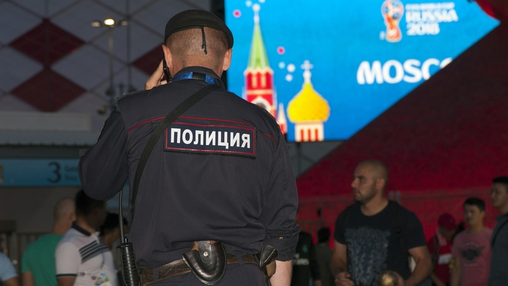 Таксист из Таджикистана обокрал британского болельщика на 2 млн рублей