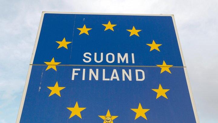 В Финляндии удерживают российский поезд по странной причине