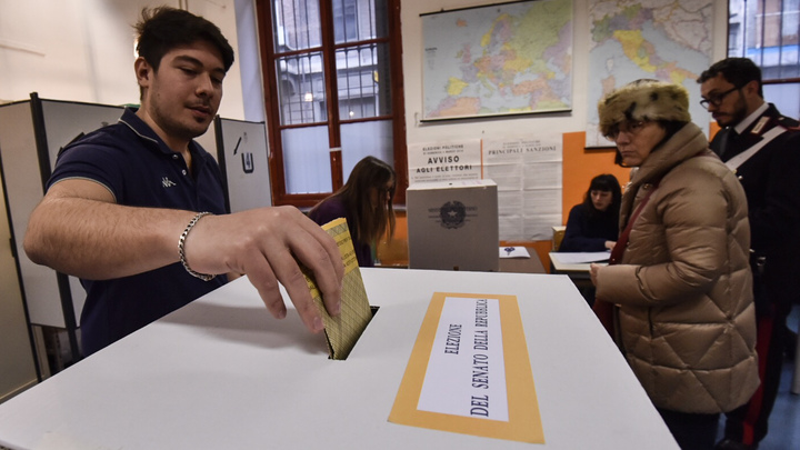 Правоцентристы во главе с Берлускони выходят в лидеры на выборах в Италии