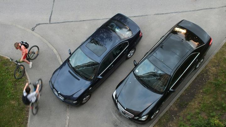 Годовой парковочный абонемент в Нижнем Новгороде стоит чуть меньше 100 тысяч рублей
