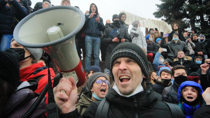 Париж предложил ввести новые антироссийские санкции из-за Навального