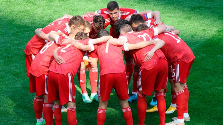 Деньги есть, играть не надо: сборная России проиграла и заработала