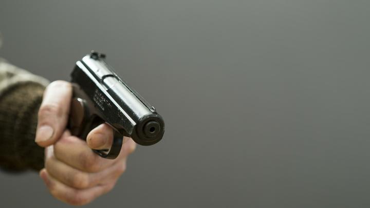 Видео: владелице маникюрного салона в Ленобласти муж дважды выстрелил в лицо