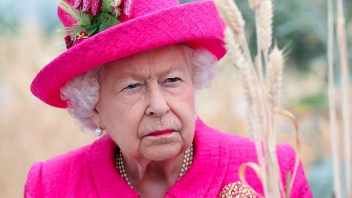 Борис, ты не прав: Королева предупредила, что выгонит нового премьера