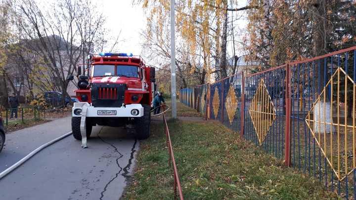 Во Владимире спасатели сегодня тушили частный дом