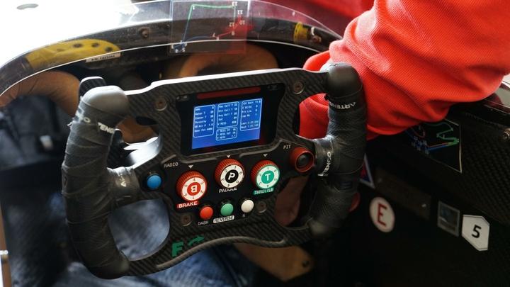 Британец Льюис Хэмилтон одержал 100-ю победу в Формуле-1, выиграв Гран-при России в Сочи