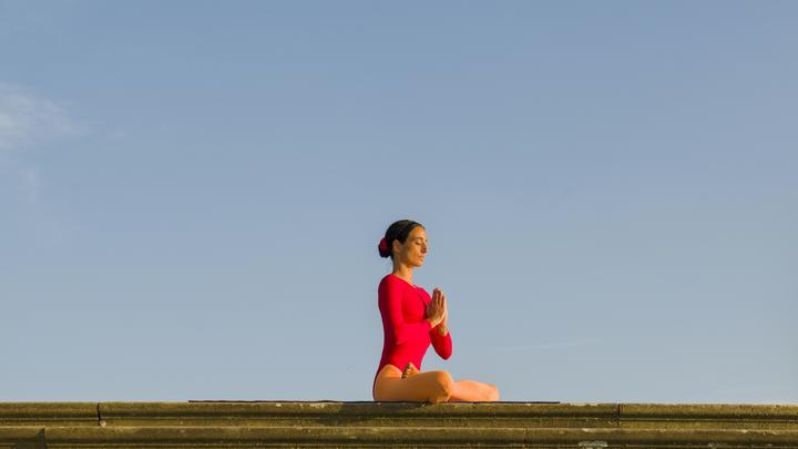 Невролог предупреждает: летать в самолете без медитации опасно