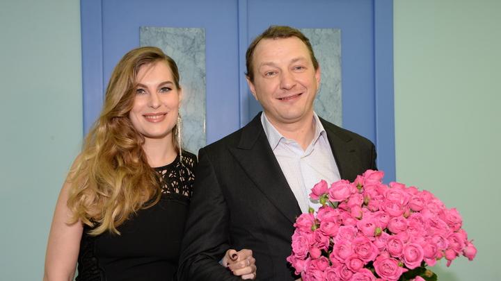 Избиение довело до развода: Суд Москвы расторг брак Марата Башарова и Елизаветы Шевырковой