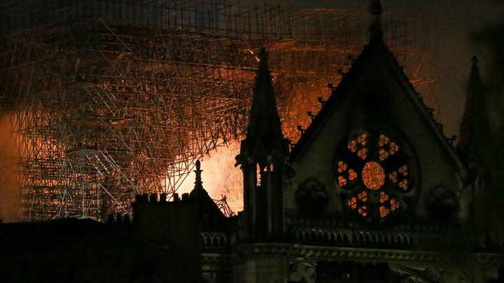 Пожар в Нотр-Даме: Следователи через два с лишним месяца расследования вновь заговорили об окурке