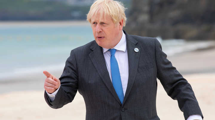 Внезапное и дерзкое требование Лондона встретили единственным вопросом: А Россия просила?!