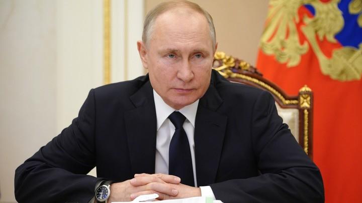 За мужество и отвагу: Путин наградил пожарных, отдавших жизни при тушении Невской мануфактуры