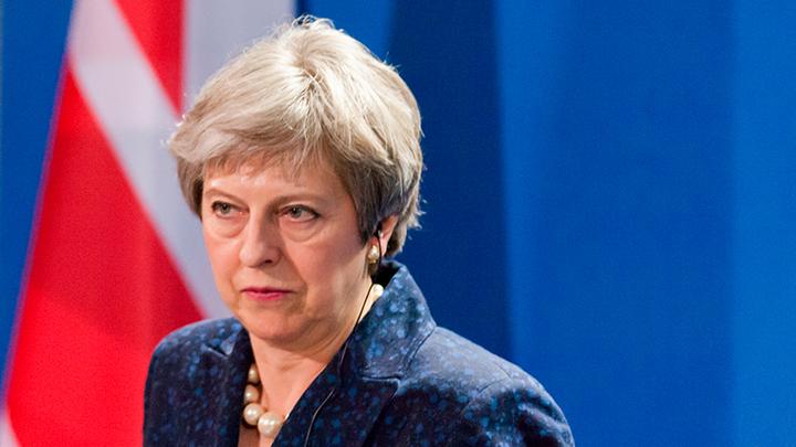 Тереза Мэй зовёт Скрипалей на помощь: ЕС ввёл санкции против сотрудников ГРУ