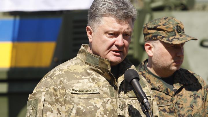 Больше, чем в Европе: Порошенко заявил о сотнях российских танков в Донбассе