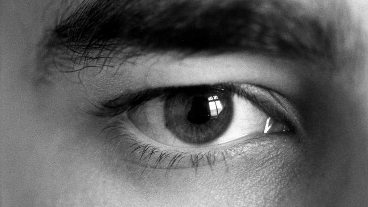 ВИЧ, гепатит, стафилококк: Чем опасен татуаж бровей и о чем молчат мастера красоты