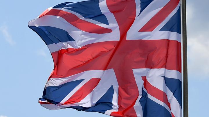 А почему не Весёлый Роджер? Британцы присоединились к радужному флешмобу вслед за США