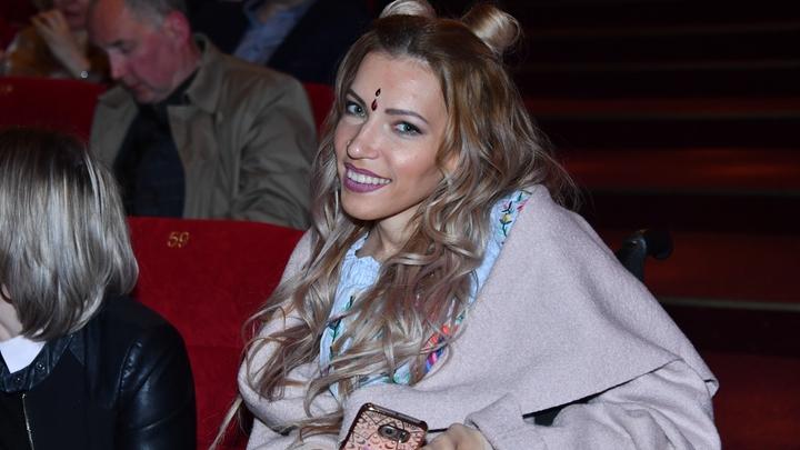«Это слова одной матери»: Самойлова не думала сбегать из России