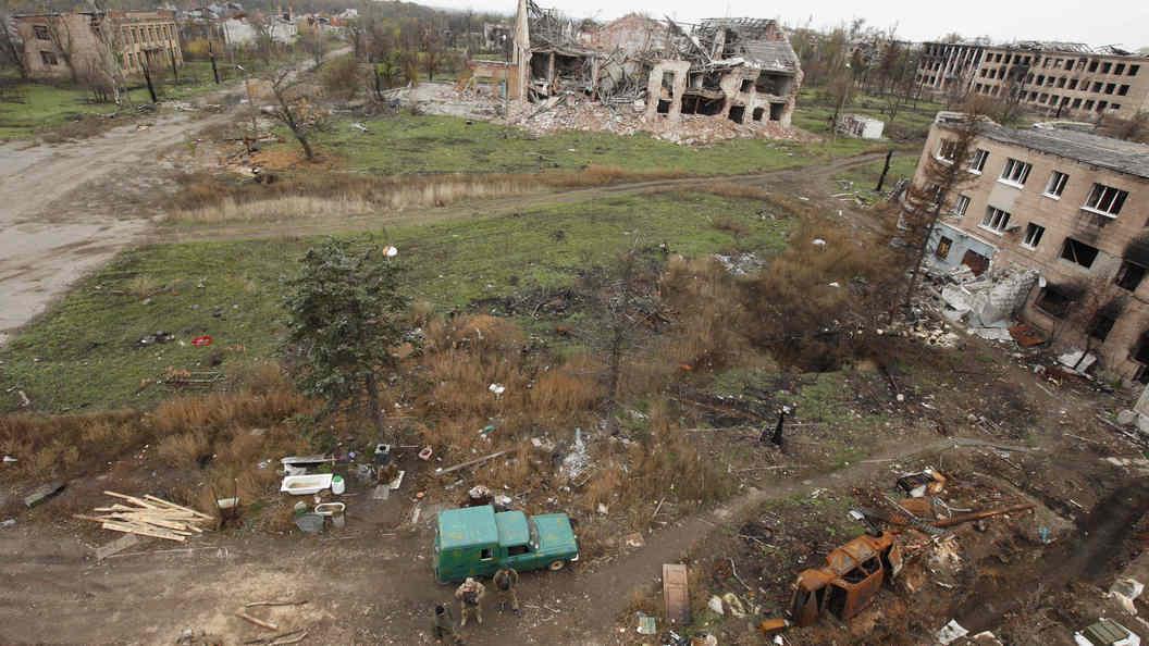 Около тысячи снарядов имин обрушила Украина засутки наДНР