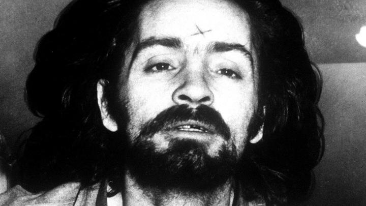 СМИ: Серийный убийца Чарльз Мэнсон скончался в тюрьме