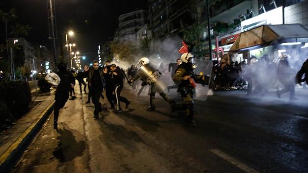 Ничто не забыто: 13 тысяч греков прошли маршем к посольству США в напоминание о 1973 годе