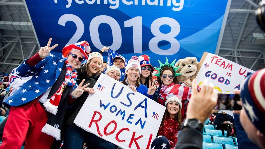 Женская сборная США похоккею одолела Канаду вфинале Олимпиады