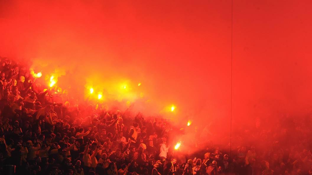 Полуфинальный матч Кубка Турции «Фенербахче»— «Бешикташ» был прерван