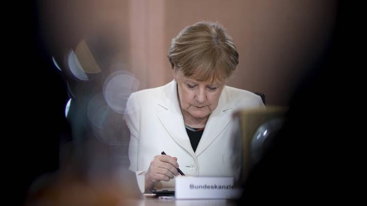 Меркель пошла на попятную в обвинении России