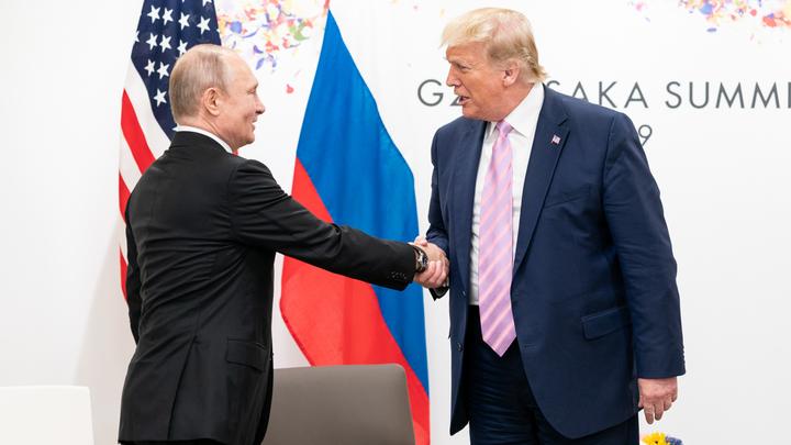Это не будет честной борьбой: Болтон оценил, выстоит ли Трамп против Путина