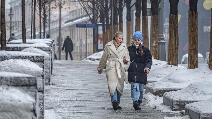 МЧС предупредило о сильных порывах ветра в Санкт-Петербурге в Международный женский день