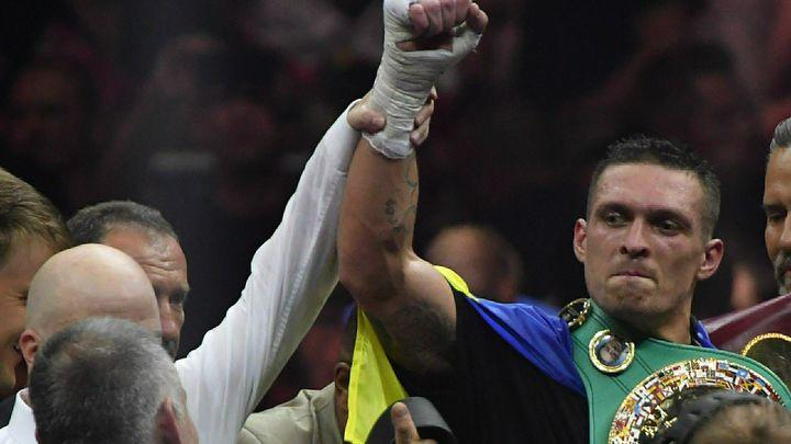 Боксер Александр Усик завоевал титул Чемпиона мира