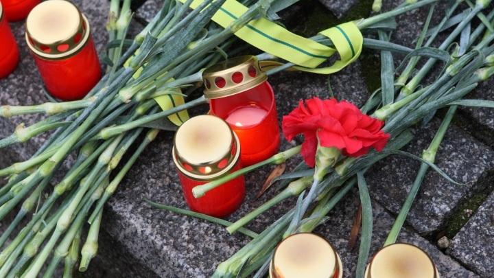 Глава Новокузнецка выразил соболезнования мэру Казани и семьям погибших во время стрельбы в школе