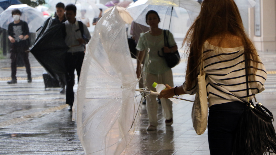 Японцев эвакуируют из-за сильных дождей