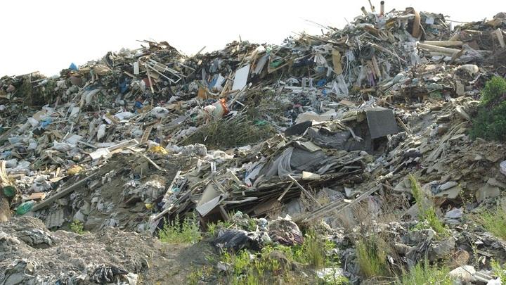 Под Ростовом обнаружили незаконную свалку строительных отходов
