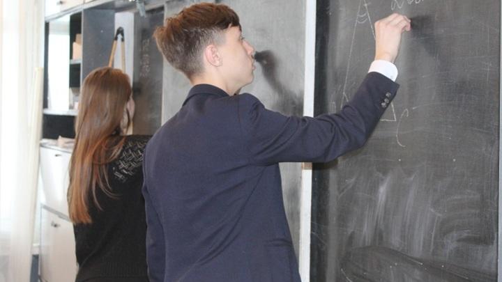 В школах Ростовской области ученикам уменьшат количество контрольных работ