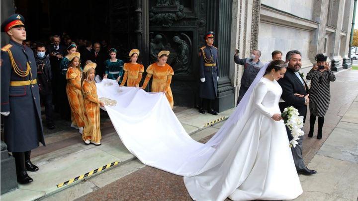 Свадьба мирового масштаба: в Петербурге прошло венчание Георгия Романова — ФОТО